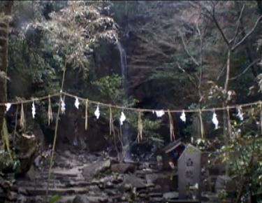 パワースポット桃尾の滝