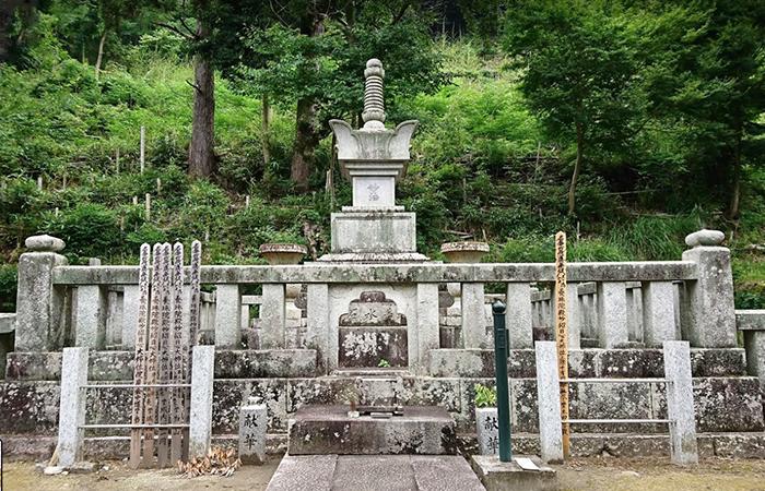 養珠院(お万の方)御墓