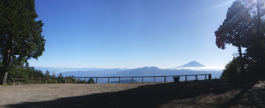 七面山の富士山展望台